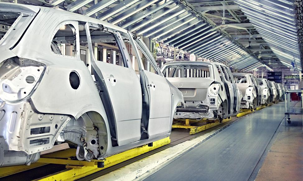 Produktion von Autos mit technischen Anlagen